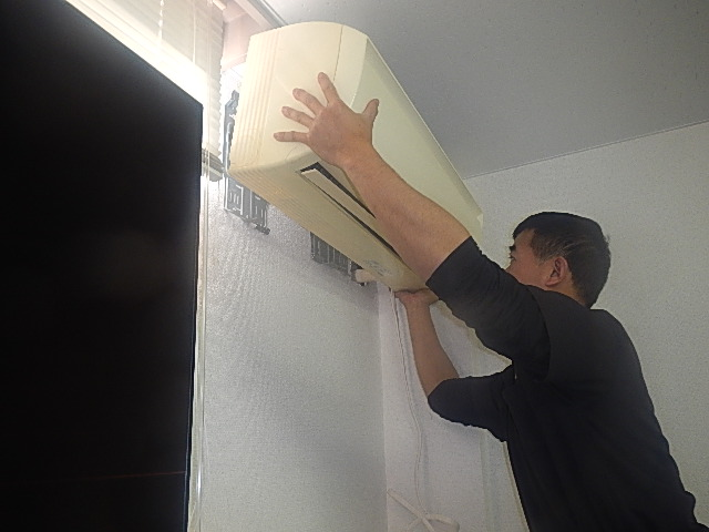 step1.エアコンの取り付け