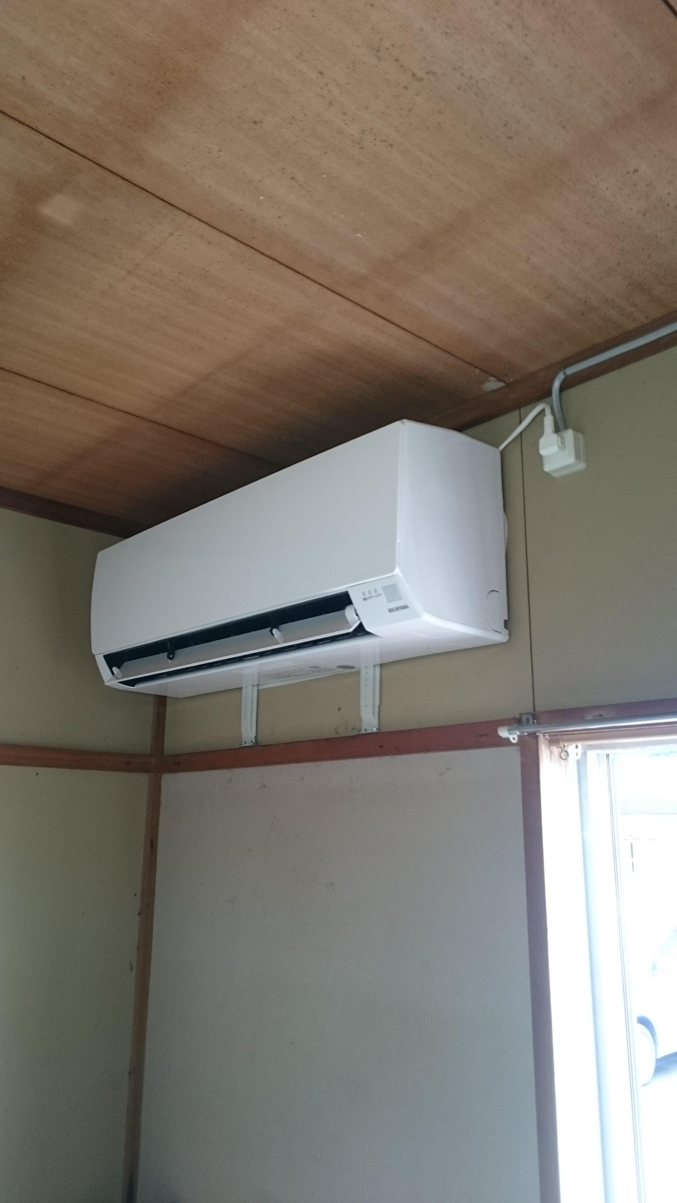 取付 エアコン